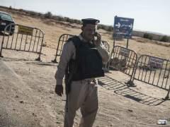 """Aviones egipcios bombardean el centro principal de grupos """"terroristas"""""""