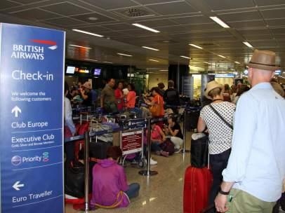 Pasajeros afectados de British Airways