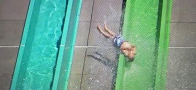 Accidente en parque acuático