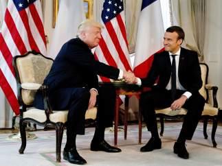 Macron explica por qué aguantó (y ganó) en el temible apretón de manos de Trump