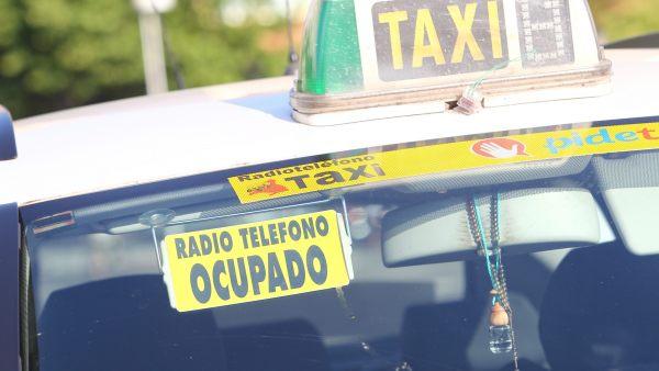 Taxi ocupado sin pasajeros