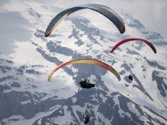 Parapente sobre los Alpes