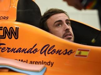Fernando Alonso prueba en la IndyCar
