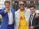 David Hasselhoff, Dwayne Johnson y Zac Efron