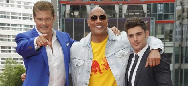 David Hasselhoff, Dwayne Johnson y Zac Efron