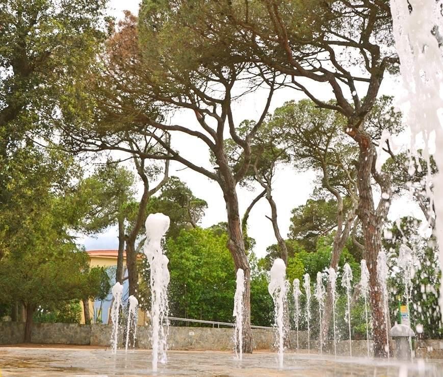 el tibidabo abre el nuevo espacio de fuentes de agua con luz sonido y colores
