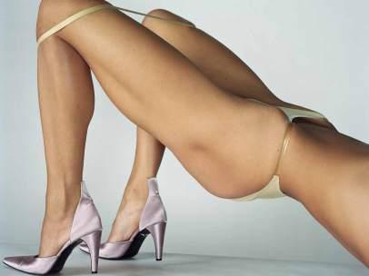 Una de las sugerentes imágenes de la exposición <em>Undressed</em> de Mario Testino