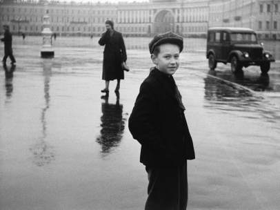 Boy in Leningrad de Duane Michals