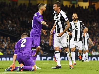 Mandzukic discute con Ramos