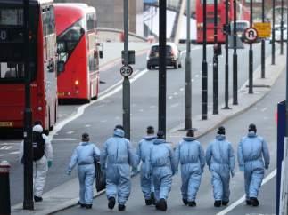 Los forenses investigan el atentado en Londres
