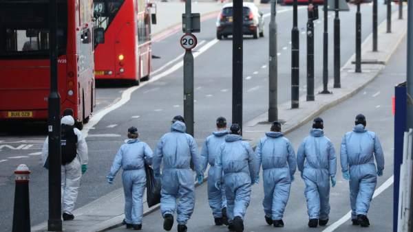 """Testigos del ataque de Londres: """"Vi cómo una furgoneta lanzaba a una persona por el aire"""""""