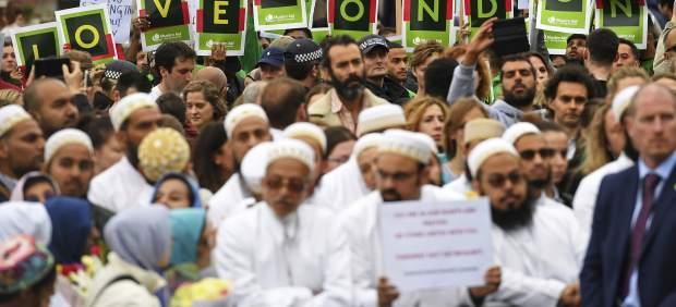 Manifestación en solidaridad con las víctimas de Londres