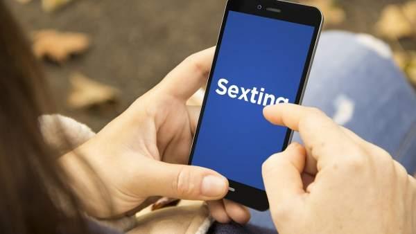 Un 30% de los jóvenes ha participado en un caso de sexting