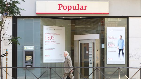 El popular lanza un manual para que sus empleados se for Oficinas banco popular madrid