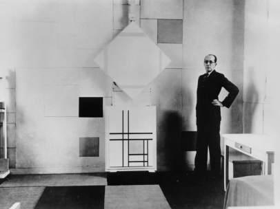 Mondrian en su estudio parisino
