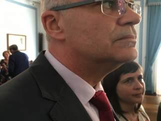 El delegado del Gobierno en Galicia en una visita en Lugo.