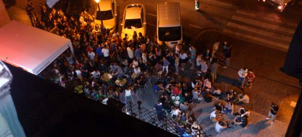 El Ayuntamiento de València duplica las multas por hacer botellón en la calle