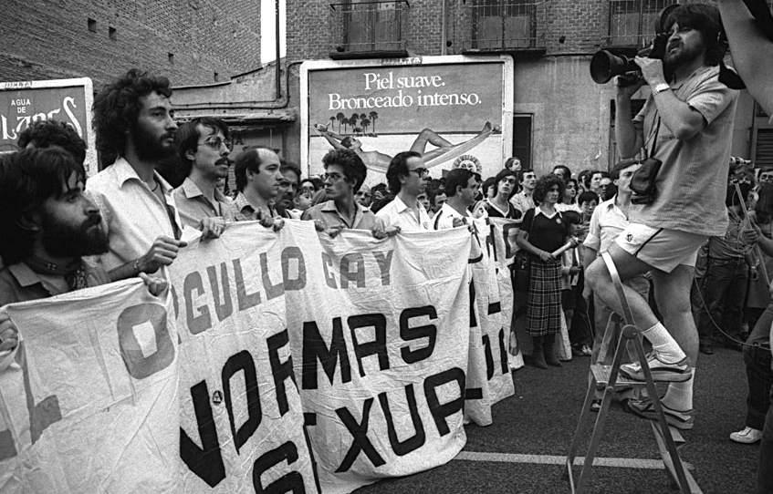 Resultado de imagen de EL ORGULLO GAY EN VALLECAS