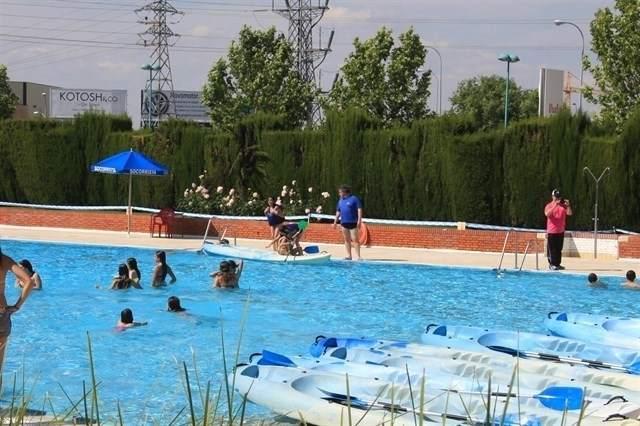 D a sin ba ador por tercer a o consecutivo en la piscina for Piscina de lago madrid