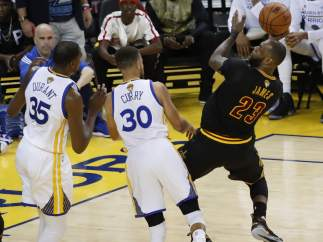 LeBron James, ante Curry y Durant