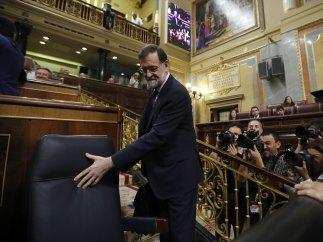 Rajoy toma asiento en su escaño