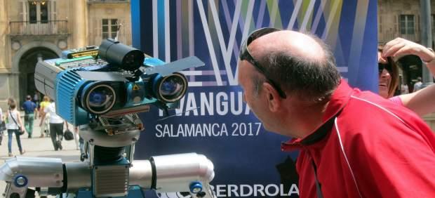 El Robot Orión En La Plaza Mayor De Salamanca.
