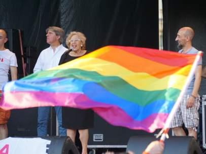 Manuela Carmena en el Orgullo Gay