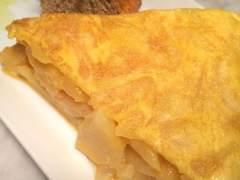 Hacer una tortilla de patata sale más caro hoy que hace un año