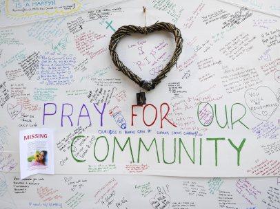 Recuerdo por las víctimas en la Grenfell Tower
