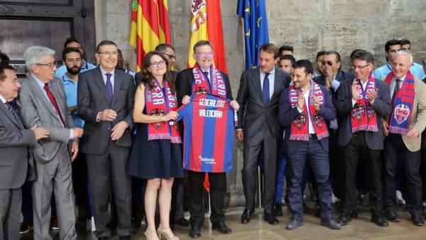 Puig y Oltra reciben al Levante UD por el ascenso a Primera División
