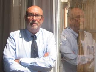 Manuel Alcaraz en el seu despatx del carrer Miguelete