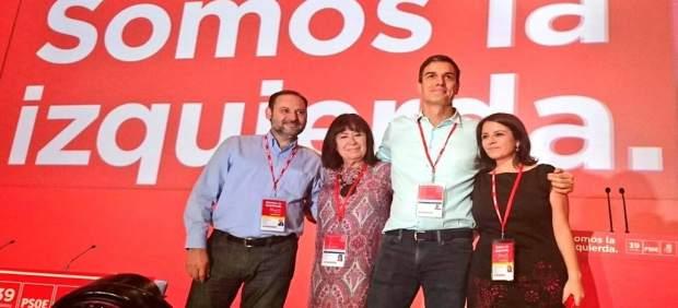 El responsable de Organización junto a Sánchez en el 39 Congreso