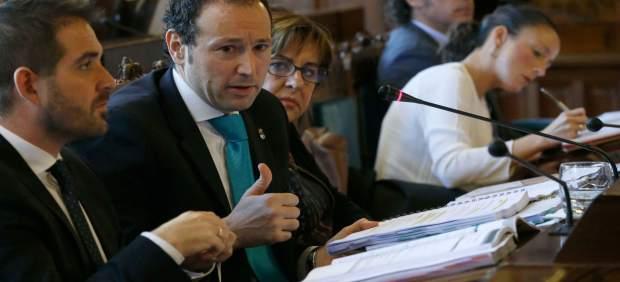 Guillermo Martínez en Comisión de Presiencia