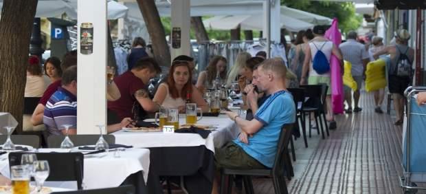 La Diputación Espera Una Campaña Estival De Récord Con Más De 850.000 Turistas Y