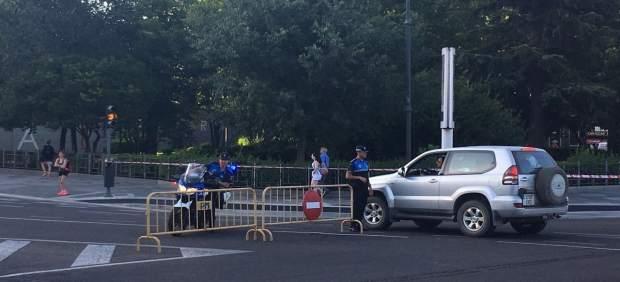 Un policía local de Valladolid en un control de tráfico