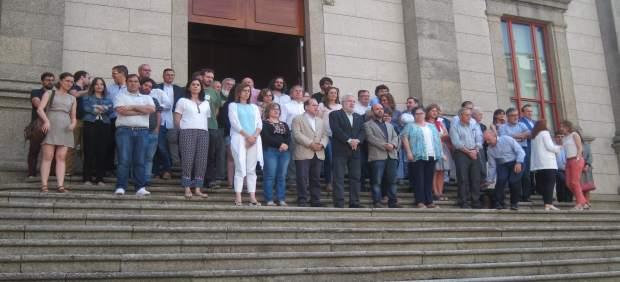 Minuto de silencio en el Parlamento gallego