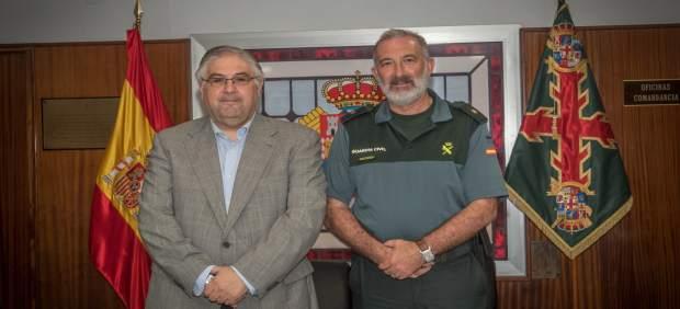 El diputado Manuel Alías durante la reunión de la Comisión Mixta.