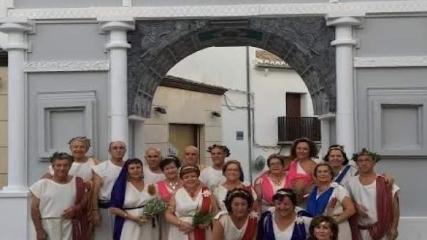 Grupo de teatro que actuó en el acto