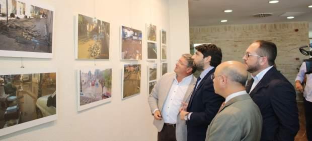Fotos / El Presidente De La Comunidad Visita Los Alcázar Es