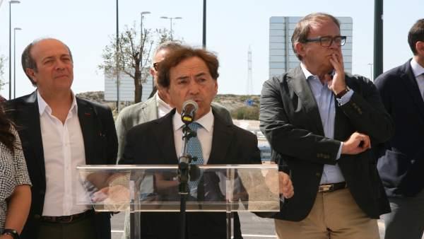 El consejero de intu Spain, Salvador Arenere, en la presentación del acceso.