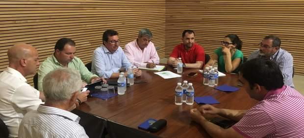 Reunión del PP con el sector ganadero de Huelva.
