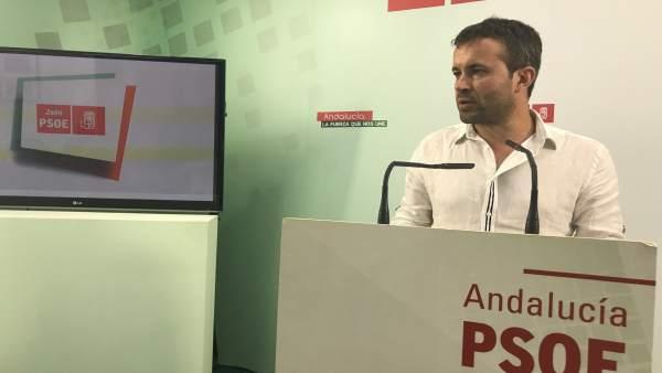 Julio Millán en rueda de prensa.