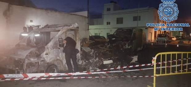 Nota De Prensa: 'La Policía Nacional Rescata A Una Mujer Y A Sus Dos Hijas De 10