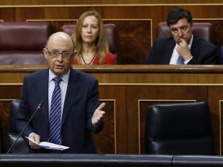 PSOE y Podemos urgen la dimisión de Montoro por la amnistía fiscal ilegal