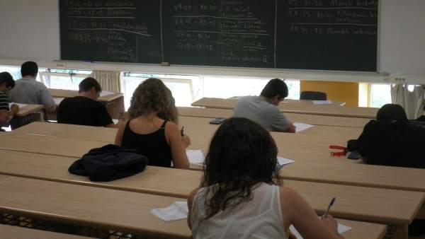 Universitarios, clase, selectividad, examen