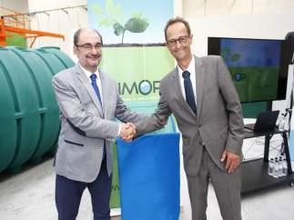 El presidente aragonés, Javier Lambán, ha visitado Simop.