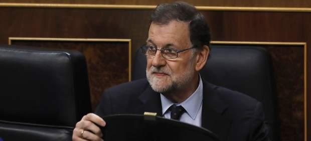 Rajoy dice que bajará el precio de la luz cuando haya