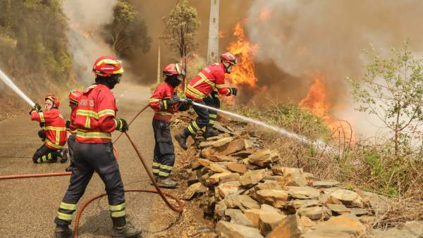 bomberos incendio Portugal