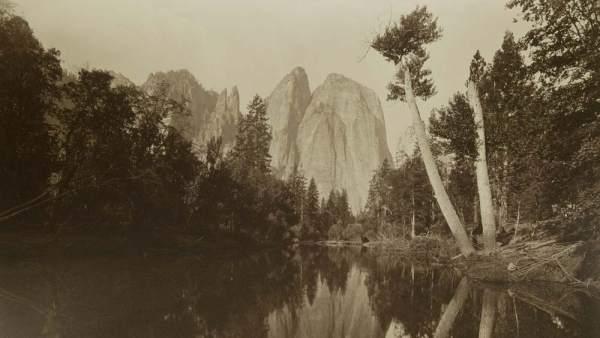 Fotografía del milenario valle de Yosemite realizada por Carleton Watkins