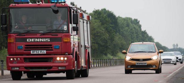 Desarrollan una tecnología que avisa de por dónde viene un vehículo de emergencias